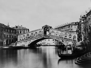 Rialto Bridge by Hulton Archive