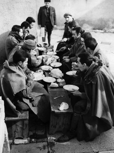 Hungry Soldiers--Photographic Print