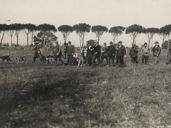Hunters-Luigi Leoni-Photographic Print