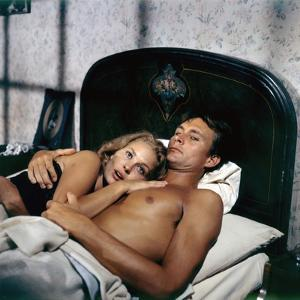 HURRY SUNDOWN, 1967 directed by OTTO PREMINGER Faye Dunaway and John Phillip Law (photo)