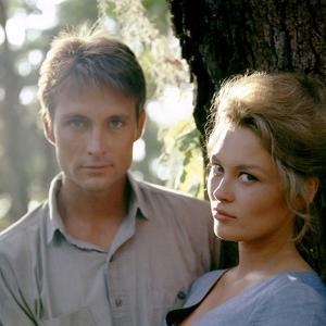 HURRY SUNDOWN, 1967 directed by OTTO PREMINGER John Phillip Law and Faye Dunaway (photo)