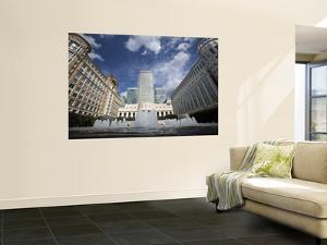 Cabot Square, Canary Wharf, European Financial Capital by Huw Jones