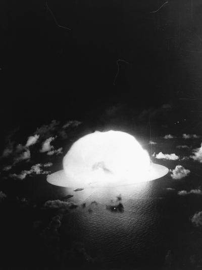 Hydrogen Bomb Test at Enewetak Atoll--Photographic Print