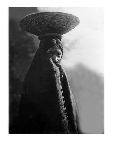 Giclee Print: Native American Fashion Art Print by Edward S. Curtis by Edward S. Curtis : 20x16in