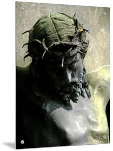 Statue of the Head of Christ with the Crown of Thorns by I.W.