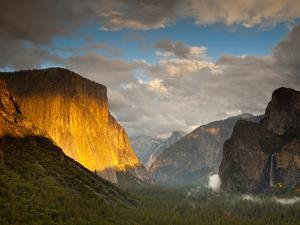 Tunnel Overlook, One of the Most Famous Views in All of the National Parks by Ian Shive