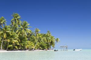 Motu Pit Aau, Bora Bora, Society Islands, French Polynesia by Ian Trower