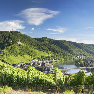 View of River Moselle and Bernkastel-Kues, Rhineland-Palatinate, Germany