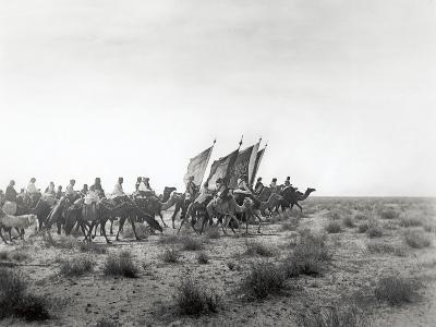 Ibn Saud's (Abd Al-Aziz Ibn Saud'S) Army on the March- Near Habl, 8th January 1911-William Henry Irvine Shakespear-Photographic Print