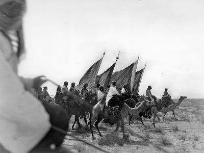 Ibn Saud's (Abd Al-Aziz Ibn Saud'S) Army on the March- Near Habl, 9th January 1911-William Henry Irvine Shakespear-Photographic Print