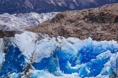 https://imgc.artprintimages.com/img/print/ice-and-scenery-near-the-viedma-glacier-from-lago-viedma-in-los-glaciares-np-patagonia-argentina_u-l-q19mv8s0.jpg?p=0