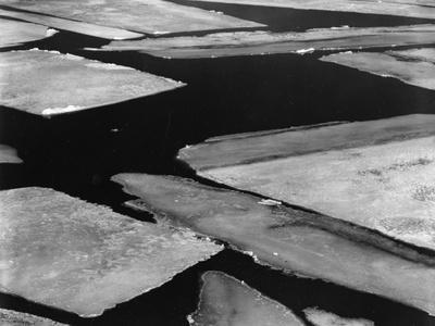 https://imgc.artprintimages.com/img/print/ice-and-water-high-sierra-california-1962_u-l-q1g6jcq0.jpg?p=0