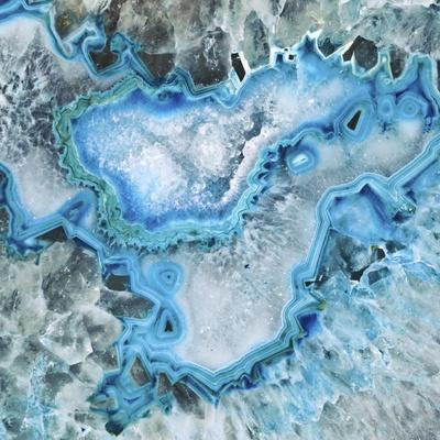 https://imgc.artprintimages.com/img/print/ice-crystal-geode_u-l-pn9i3v0.jpg?p=0