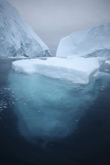 Iceberg-Robbie Shone-Photographic Print