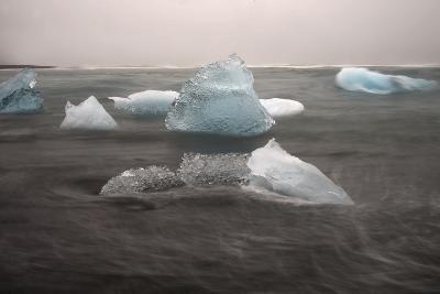 Icebergs on Black Sand Beach-Raul Touzon-Photographic Print