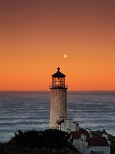 North Head Lighthouse by Ike Leahy