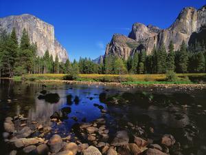 Yosemite II by Ike Leahy