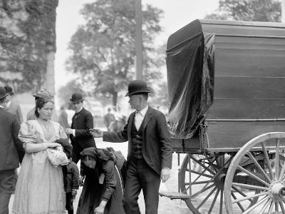 Immigrants at Battery Park, New York, N.Y.--Photo