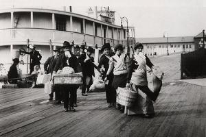 Immigrants to the USA Landing at Ellis Island, New York, C1900