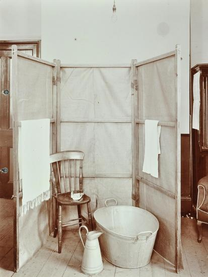 Improvised Bathroom, Shoreditch Technical Institute, London, 1907--Photographic Print