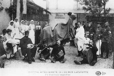 https://imgc.artprintimages.com/img/print/improvised-camel-auxiliary-hospital-rue-lafayette-paris-france-world-war-i-1914-1918_u-l-pty4ll0.jpg?p=0