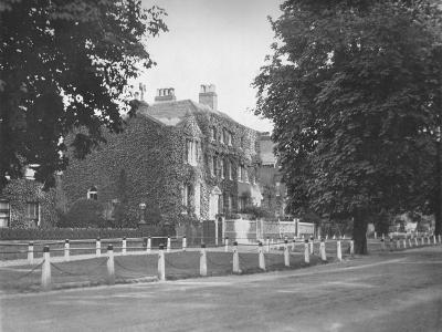 In College Road, Dulwich, (1912)--Photographic Print