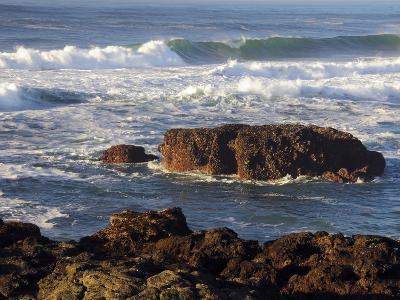 Incoming Tide at Yachats, Yachats, Oregon, USA-Michel Hersen-Photographic Print