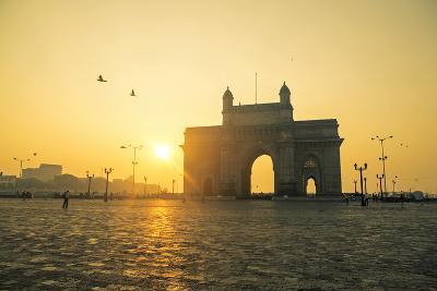 India, Maharashtra, Mumbai, Gateway of India, the Gateway of India at Dawn-Alex Robinson-Photographic Print