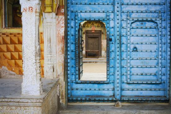 India, Rajasthan. colorful house.-Jaynes Gallery-Photographic Print