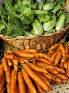 Carrots and Greens, Ferry Building Farmer's Market, San Francisco, California, USA by Inger Hogstrom