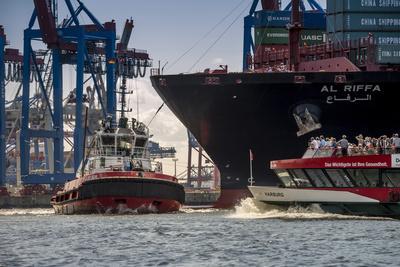 Germany, Hamburg, Elbe (River), 'Fischmarkt', Harbour
