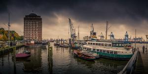 Germany, Hamburg, Harbour, Elbe (River), Museumshafen, …velgšnne, Augustinum by Ingo Boelter