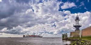 Germany, Schleswig - Holstein, BrunsbŸttel (Town), Lock, Lighthouse, Mole 1 (Jetty by Ingo Boelter