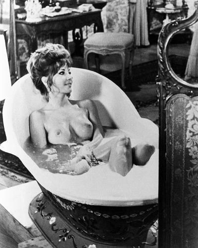 Ingrid Pitt - Countess Dracula--Photo