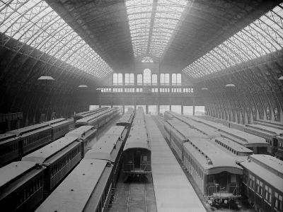 Interior of Grand Central Station--Photographic Print
