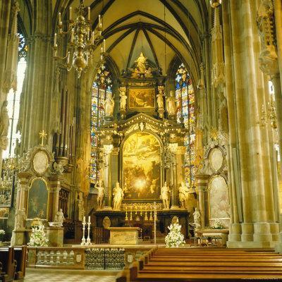 https://imgc.artprintimages.com/img/print/interior-of-st-stephan-s-cathedral-vienna-austria_u-l-p2qu2n0.jpg?p=0