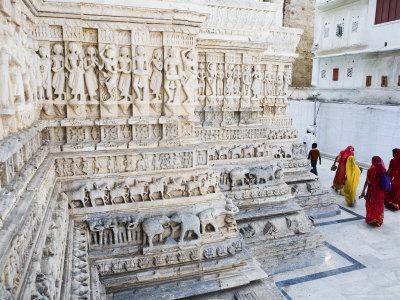 https://imgc.artprintimages.com/img/print/intricately-carved-marble-walls-of-jagdish-jain-temple_u-l-p5y79h0.jpg?p=0