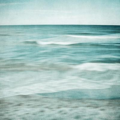 Soft Waves by Iris Lehnhardt