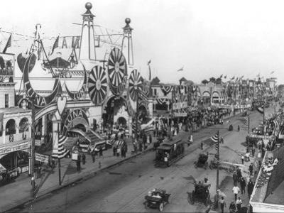 Luna Park and Surf Avenue