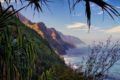 Island Experience, Hiking the Na Pali Coast, Kauai, Hawaii-Vincent James-Photographic Print