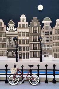 The City Sleeps, 2016 by Isobel Barber
