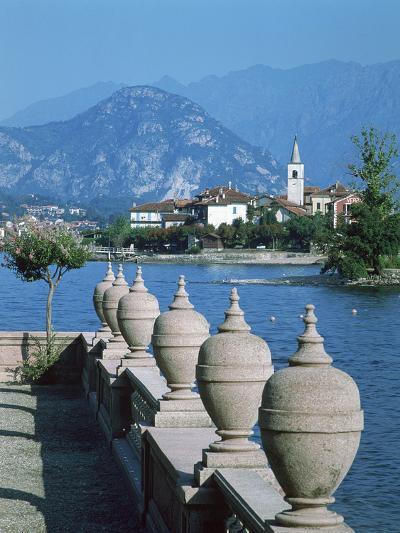 Isola Dei Pescatori, Lake Maggiore, Italy-Peter Thompson-Photographic Print