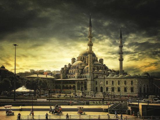 Istanbul- Tais-Photographic Print