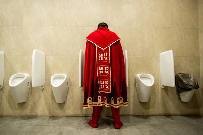 It's Good to Be King!- Nikolaitsch-Photographic Print