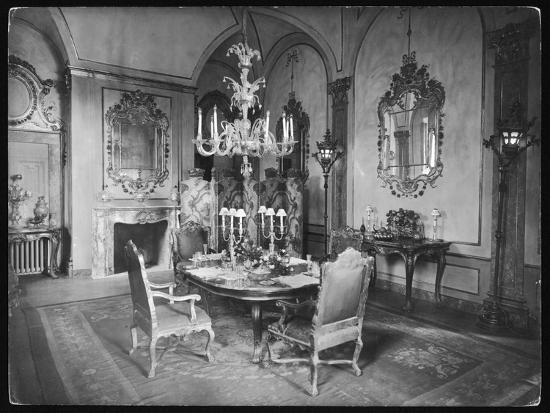 Italian Dining Room--Photographic Print