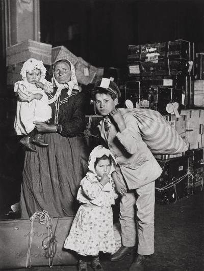 Italian Immigrants Arriving at Ellis Island, New York, 1905-Lewis Wickes Hine-Giclee Print