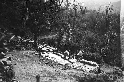 Italian Soldiers of World War I Construct Armored Shelters on the Outskirts of Podgora-Ugo Ojetti-Photographic Print