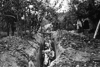 Italian Soldiers of World War I Dig a Communication Trench in Lucinico-Ugo Ojetti-Photographic Print