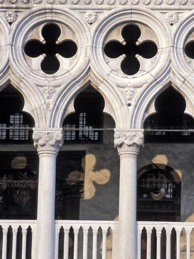 Italie, Venise / Italy, VenicePlace St. Marc, Doges Palace DetailDetail of the Doges Palace-Guy Thouvenin-Photographic Print