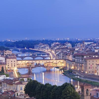 Italy, Italia. Tuscany, Toscana. Firenze District. Florence, Firenze. Ponte Vecchio and Arno River-Francesco Iacobelli-Photographic Print